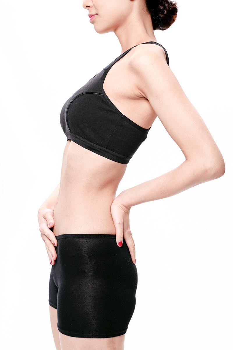 2. 呼气时,腹部应进一步凹下去,凹到尽头表示做对了,同时应感到丹田位置正在用力。