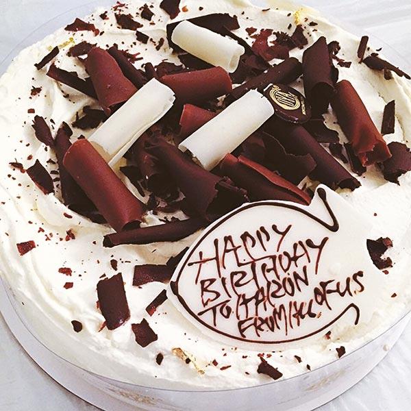 车友们送给城城的生日蛋糕。