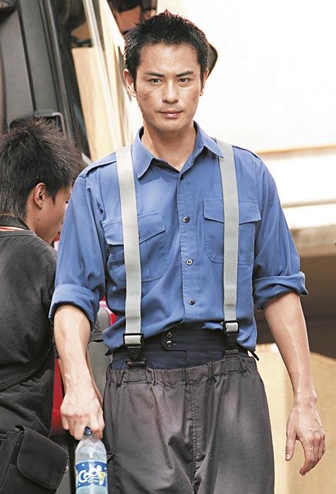 小心消防 08年9月 拍《烈火雄心III》时以先天糖尿及高血压为由,要求监制找替身入火场。