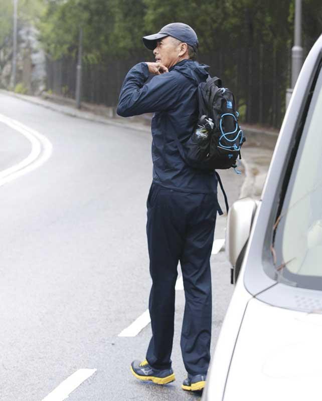 3月4日 12.00pm 发哥在石澳道停车,步行到土地湾的龙脊山径入口处。