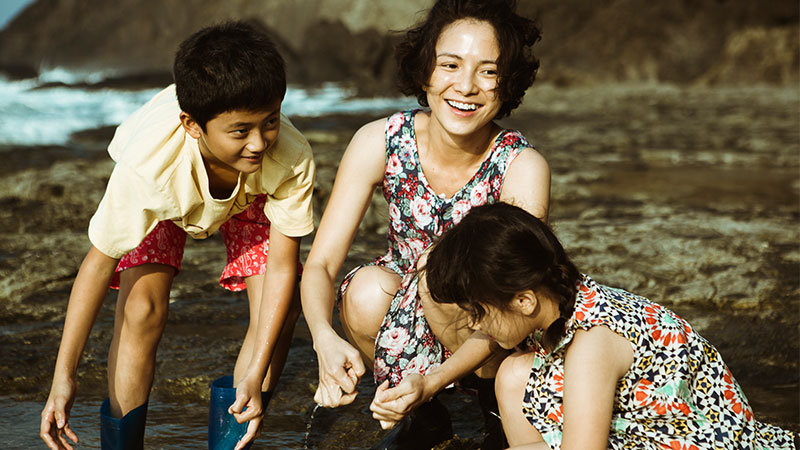 由张艾嘉执导,李心洁、梁洛施、张孝全、柯宇纶主演的《念念》,4月23日起全岛上映。