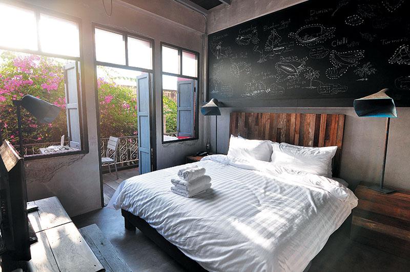 房间设计同样尽见心思…… 房间主题 一日之计  整栋民宿9间房的命名