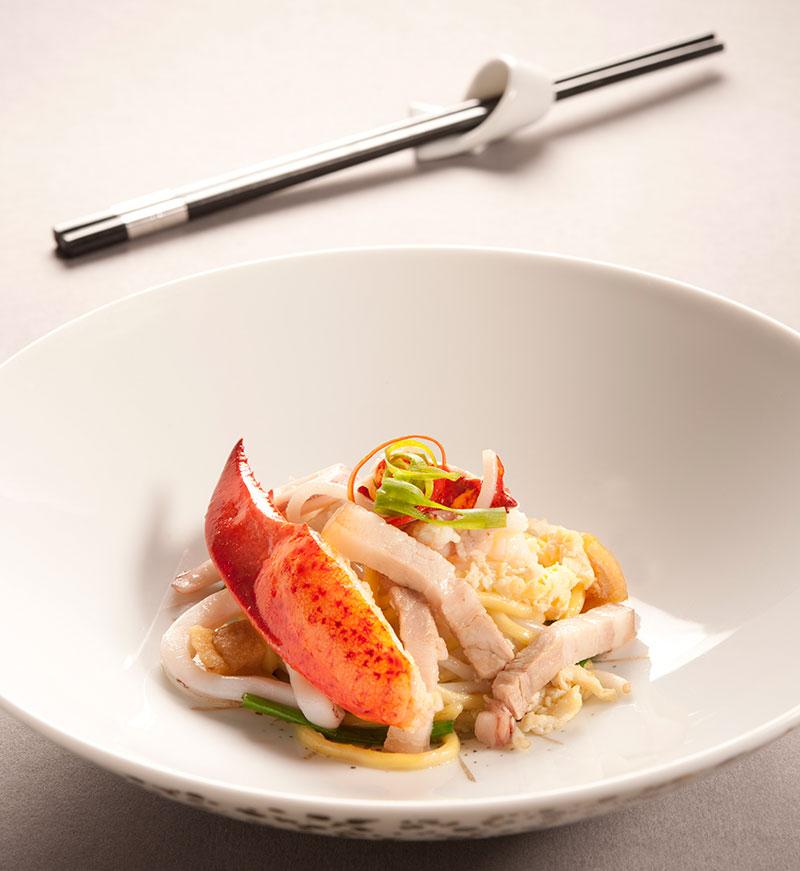 龙虾福建炒面 $48 加入鲜味龙虾的福建炒面,龙虾衬绝,炒面一流。