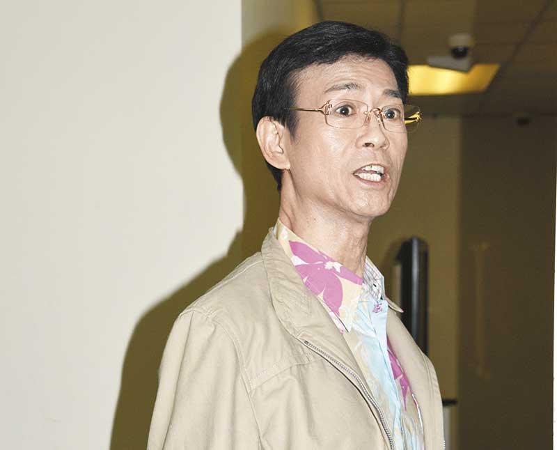《大时代》令郑少秋人气急升,提到网民激赞,他表现风骚,谦称是全剧演员之功。