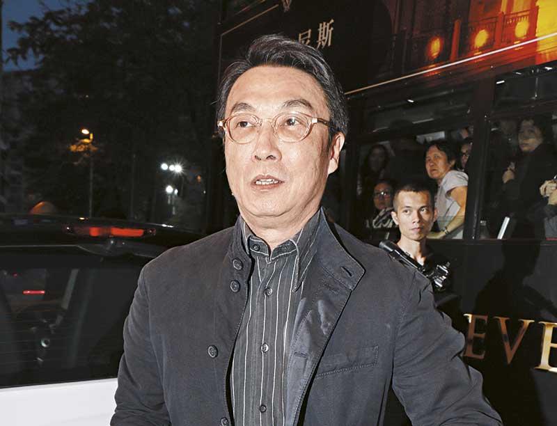"""22日刘松仁现身杜琪峰生日派对,即时成为焦点。提到演出片段被疯传激赞,他大有迟来之恨︰""""现在才赞?太迟啦!""""。"""