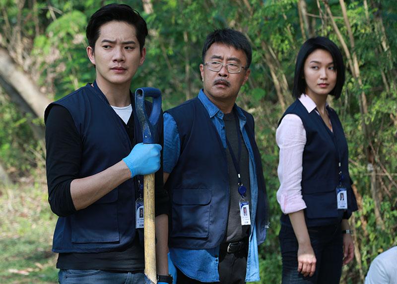 白薇秀去年在吉隆坡拍摄《心迷》时,与前来探班的戚玉武达成结婚共识,特地赶回新加坡完成终身大事。