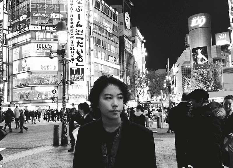 今年1月,童童随经理人陈家瑛去东京,跟日本音乐人交流,为今年进军日本乐坛做好准备。