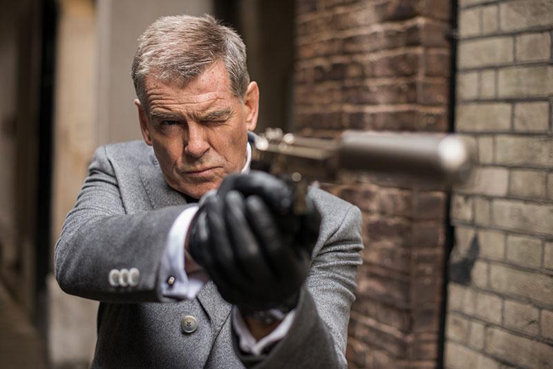 """卖型更重要 饰演杀手""""Nash""""的前""""007 James Bond""""演员Pierce Brosnan这回只交出中规中矩的演出,看来一向执导能力偏弱的导演James McTeigue(《Ninja Assassin》、《The Raven》)还是无法贯彻始终地拍出精彩绝伦的动作片。(Text/陈通玲 Photo/GV)"""