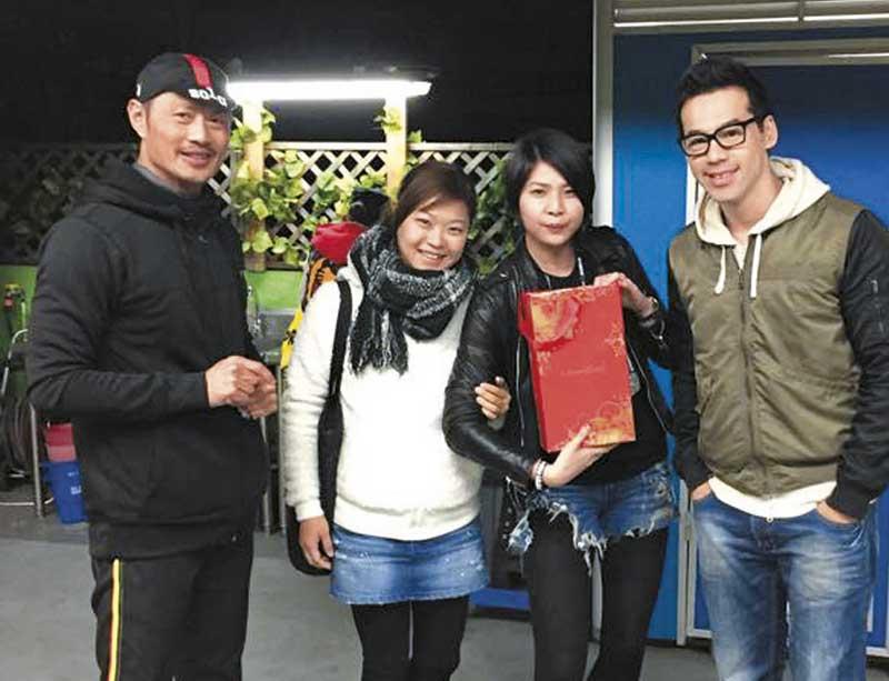 今年2月,黄德斌带了女友出席《爱.回家》剧组饭局,当时Joyce仍然纤瘦。