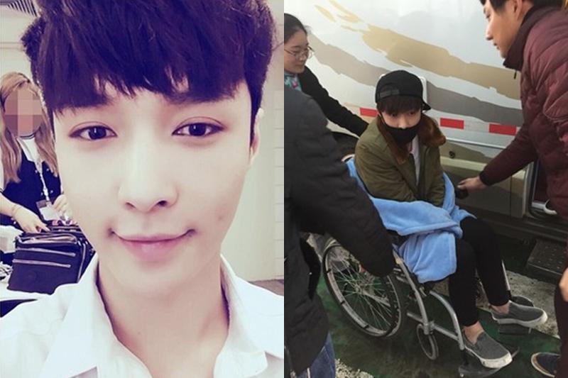 LAY前天下午在经纪人陪同下现身杭州机场,他戴着棒球帽和口罩,神情难掩疲惫与憔悴,而且因为伤势严重,连下车都必须靠人搀扶,并一路以轮椅代步。(互联网)
