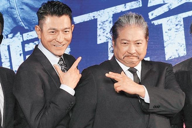刘德华(左)与洪金宝。(互联网)
