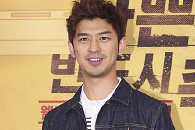 陈柏霖在《怪物》中饰演精 通中、英、韩文的贵公子。(互联网)