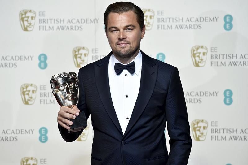 Leonardo DiCaprio)凭《复仇勇者》(The Revenant)首次夺得BAFTA最佳男主角。(互联网)
