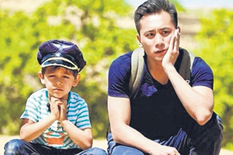 刘烨与儿子参加《爸爸去哪儿3》大受欢迎。(互联网)