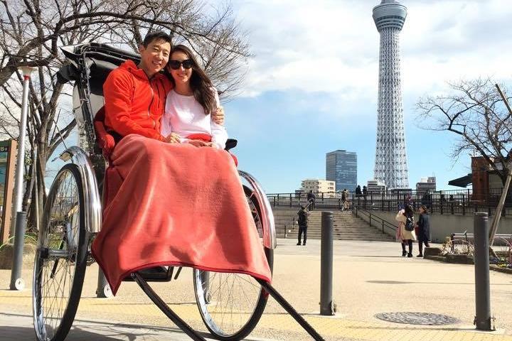 隋棠与Tony甜蜜游东京。(隋棠Facebook)