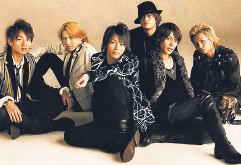 KAT-TUN在成员陆续退团后人气不如以往,在巨蛋开唱坐不满也是常有的事。(互联网)