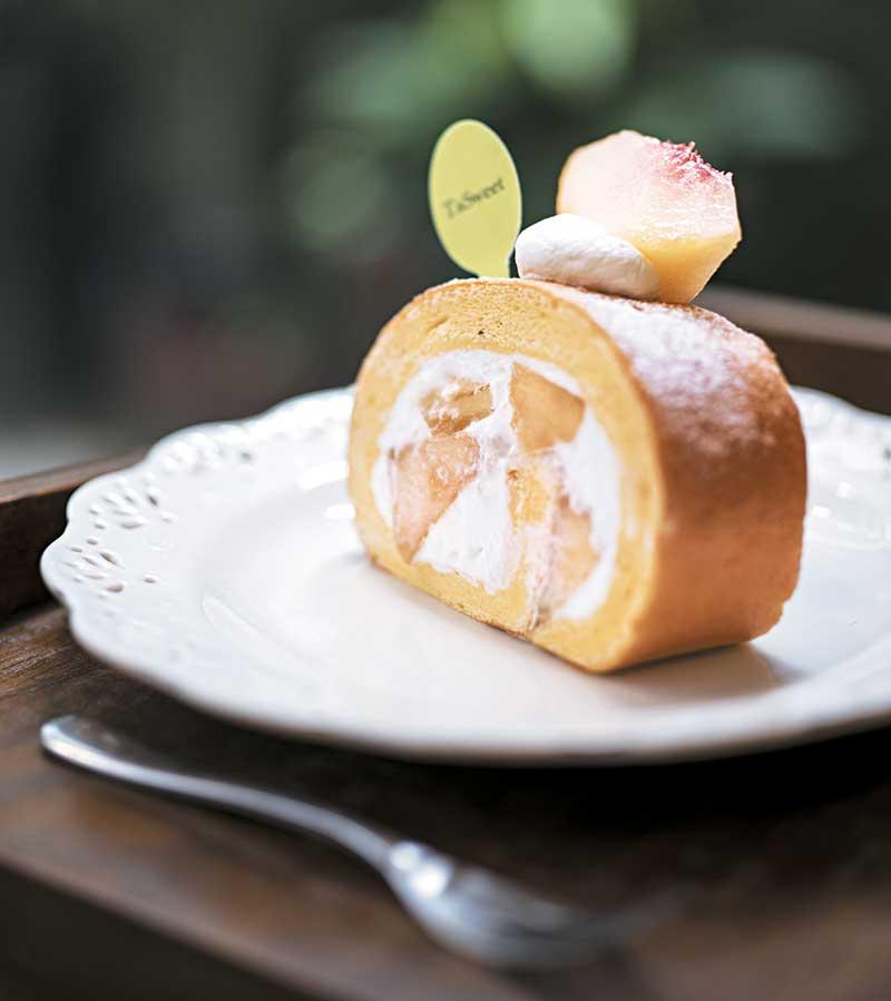 水蜜桃蛋卷 NT$140  选用香甜多汁的日本和歌山水蜜桃是因应水果当造期,所以只限夏天供应。