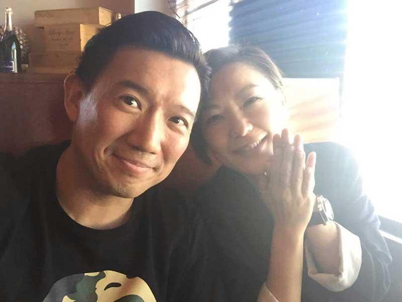 田蕊妮+杜汶泽(演员兼导演) 2005年6月7日结婚,老公是演员兼导演杜汶泽,两人在一起经历不少风雨。