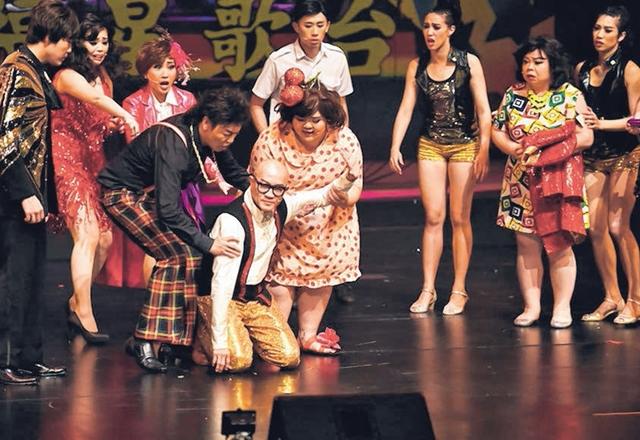 歌台音乐剧前晚在圣淘沙名胜世界剧场隆重开演。(陈思源摄)
