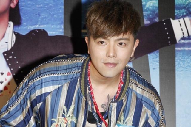 """黄鸿升到香港为专辑""""ALiEN""""举行签唱会。(互联网)"""