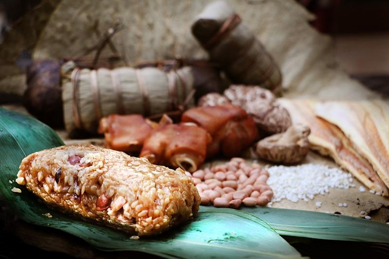 柴鱼花生猪手粽每颗米粒充满香气与滋味,叫人欲罢不能。