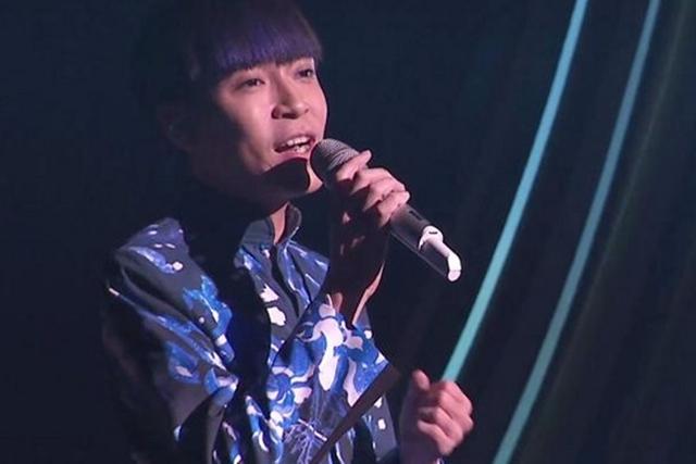 苏打绿的主唱青峰为金曲奖开场,有病在身表现失常。(互联网)