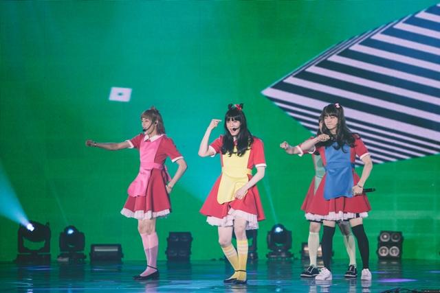 """JB、Jackson、BamBam和Yugyeom爆笑唱跳Red Velvet的""""Dumb Dumb""""。(ONE PRODUCTION / Marcus Lin)"""