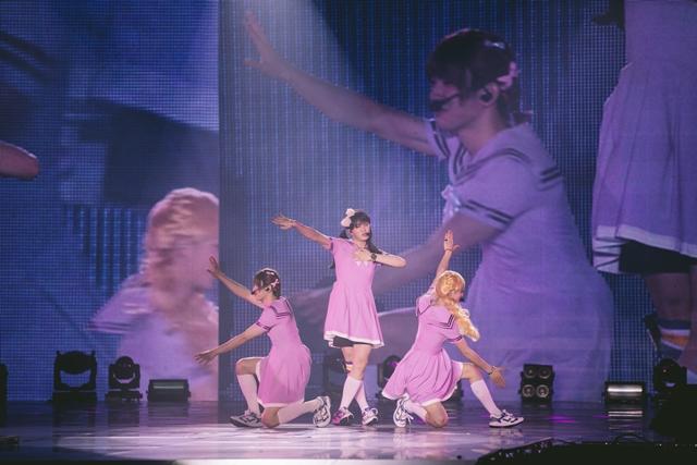 "Mark、Junior和Youngjae挑战GFriend的夯曲""Me Gustas Tu""。(ONE PRODUCTION / Marcus Lin)"