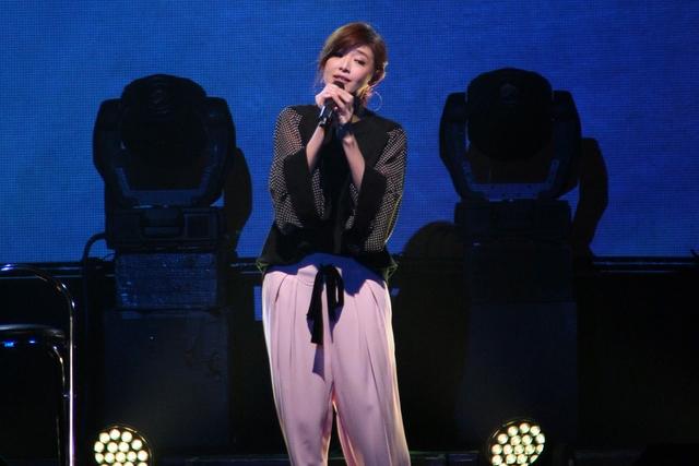 时隔6年公开演唱,苏慧伦坦承有些紧张。(互联网)