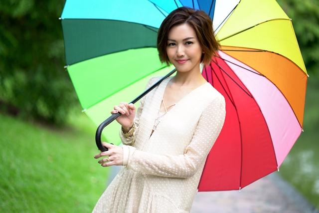 孙燕姿今年为两部电影献声唱主题曲。(环球唱片提供)