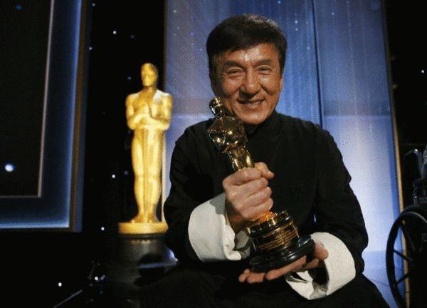 成龙是首个获此奖的华人。(互联网)
