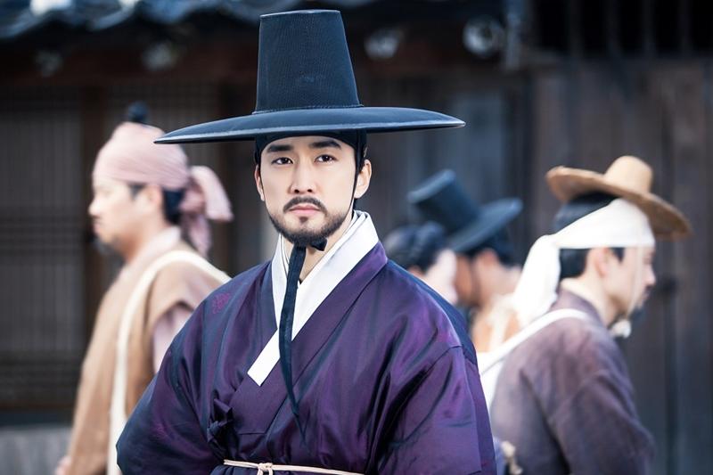 (Group8、EMPEROR ENTERTAINMENT KOREA)