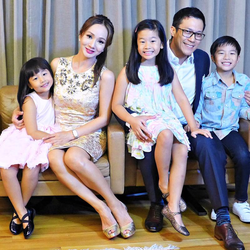 今年6月是赖兴祥+徐秀盈结婚13周年纪念,3个孩子分别11岁、9岁、6岁。
