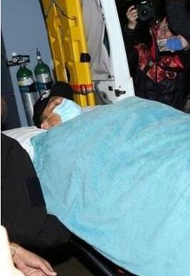 刘德华在泰国坠马,导致骨盆撕裂伤和肌肉拉伤。