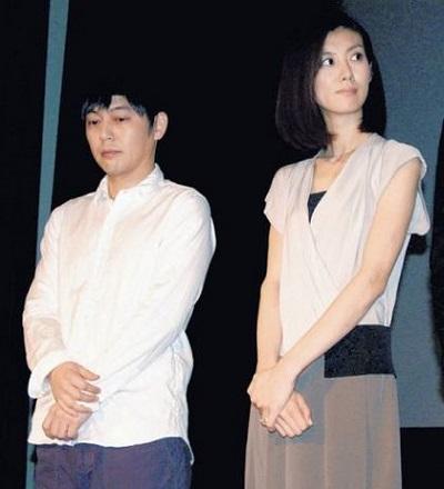 友坂理惠(右)和第2任老公SUNEOHAIR告吹。
